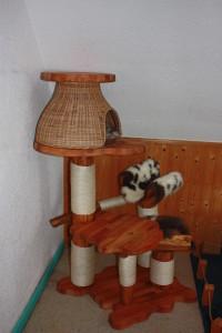El Gattito mit Rattanhöhle & Schlafmulde