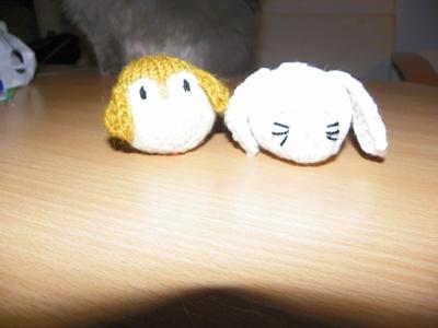 Katzenspieltiere yellow white